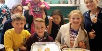 2017-09-17-Children-love-harvest