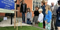 2017 - Easter Garden - discussing the empty tomb